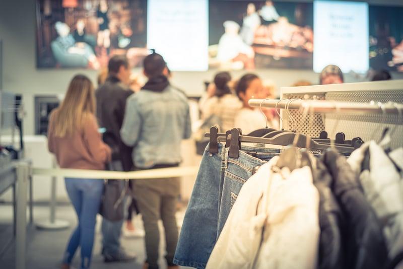 Environment visual - Retail - clothing store small-1